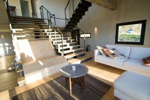 căn nhà được xây bằng đá với khung bê tông (9)