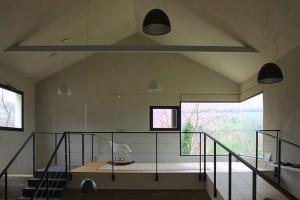căn nhà được xây bằng đá với khung bê tông (12)