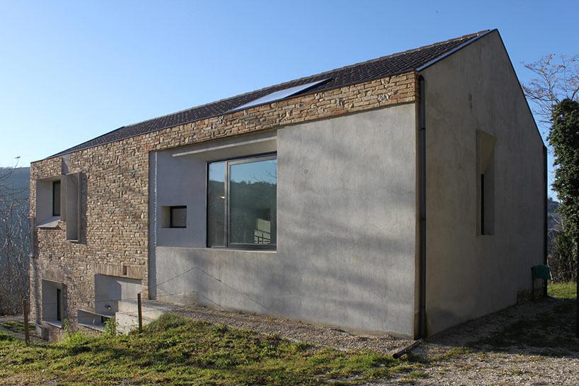 căn nhà được xây bằng đá với khung bê tông (5)