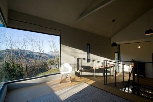 căn nhà được xây bằng đá với khung bê tông (8)