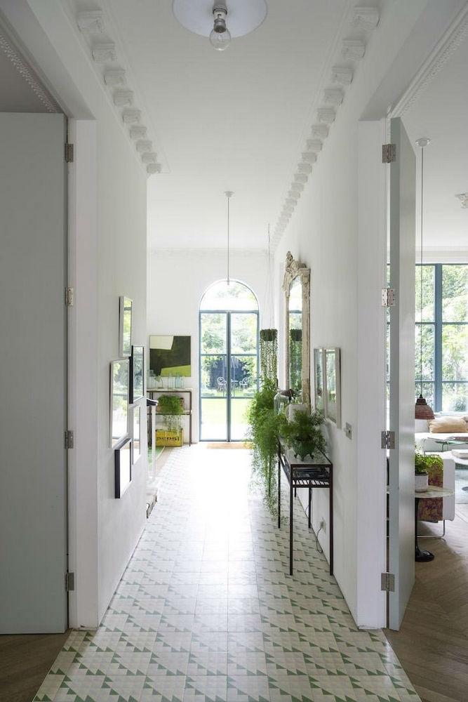 contemporary victorian interior 18